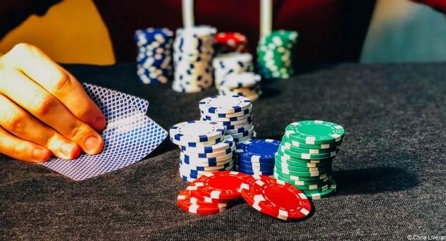 acik poker nasil oynanir